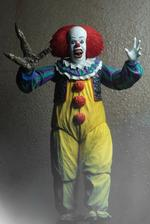 IT: (1990) – Ultimate Pennywise v.2 7″ Scale Action Figure